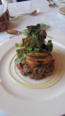 Claramount Inn & Spa: steak tartare