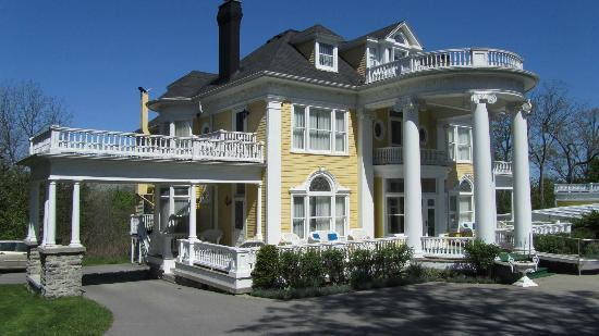 Claramount Inn & Spa: Pretty house
