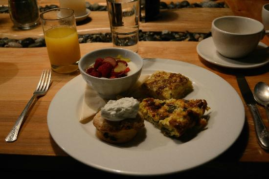 Willows Inn: Complimentary Breakfast