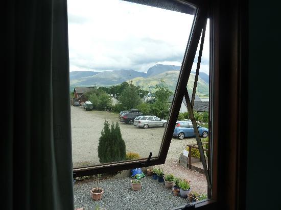 Snowgoose Mountain Centre: Vista desde la ventana del dormitorio