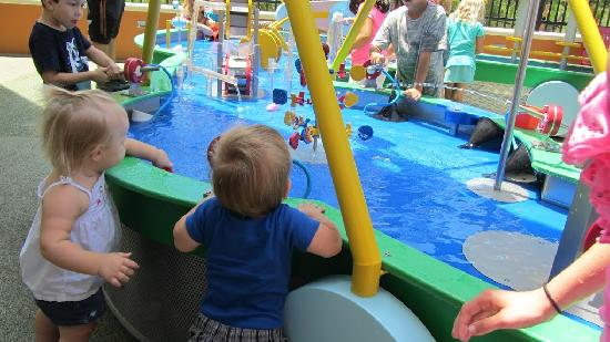 Golisano Children's Museum of Naples: water table play