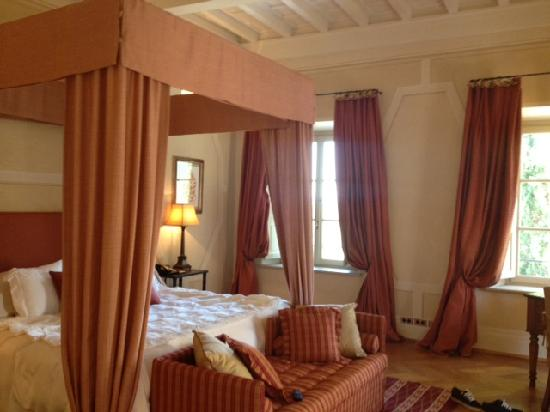 Rosewood Castiglion Del Bosco : Bedroom