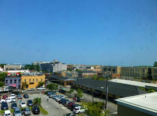 DoubleTree by Hilton Hotel and Suites Charleston - Historic District: View from Room 580