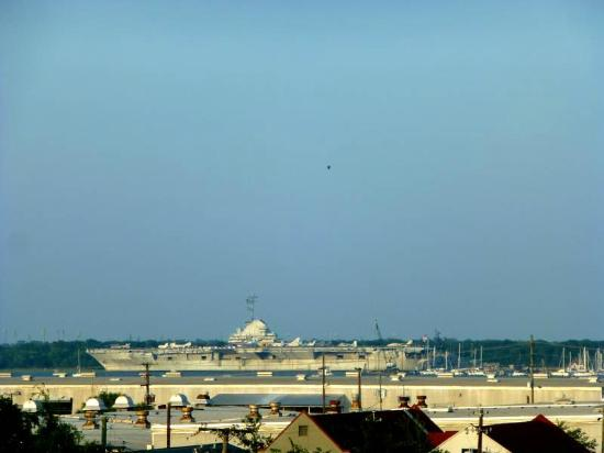 DoubleTree by Hilton Hotel and Suites Charleston - Historic District: View from Room 580 (zoom lens)