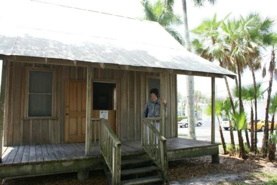 IMAG History & Science Center: A Florida Cracker House