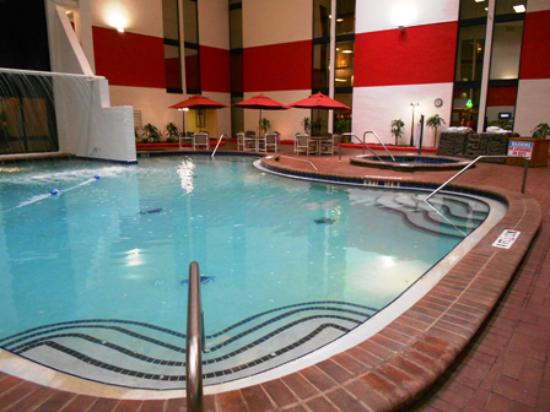 Indoor Pool Picture Of Magnuson Grand Hotel Maingate West Kissimmee Tripadvisor