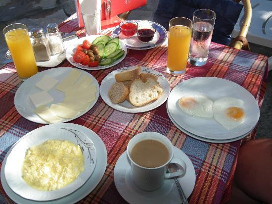 Central Park Hotel: Turkish Breakfast