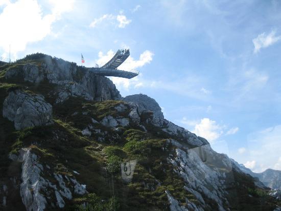 European Castles Day Tours: Plataforma na montanha, descer na estação de Garmish