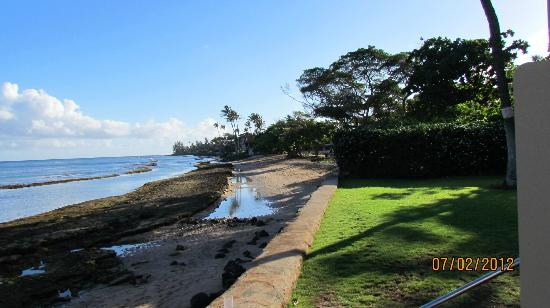 Paki Maui Resort: low tide