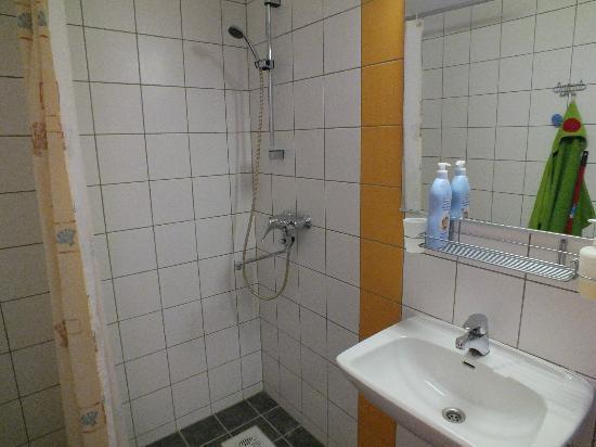 Pilve Apartments: Bathroom