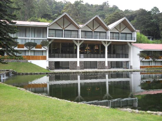 Hotel Bambito Resort: Front of Hotel