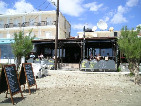 the Fishery Inn Pub: View from the Beach