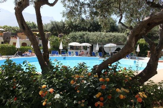 Hotel la Scogliera: piscina