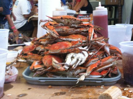 May's: All you can eat crabs