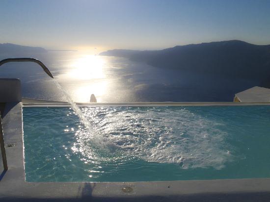 Rocabella Santorini Hotel & Spa: Upper Pool
