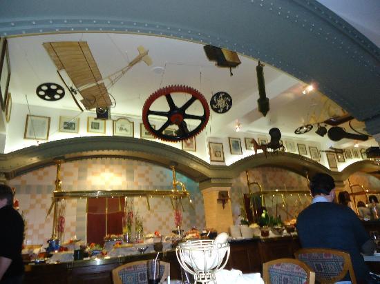Disneyland Hotel: L'Inventions, restaurant du Disney Hotel