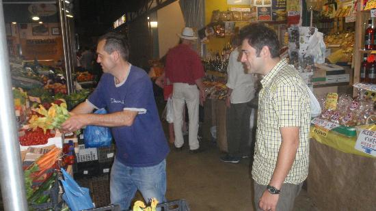 The Spice Lab: Picking out zuccini blossoms at the market