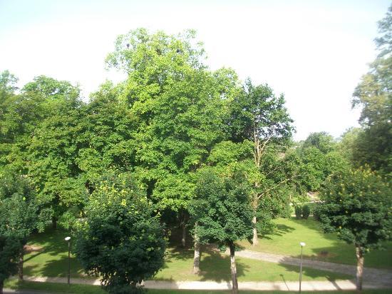 Residence Les Sources : .Vue sur le parc