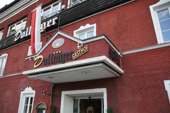 Dollinger Gasthof: Front of hotel