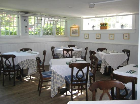 Ships Inn: downstairs restaurant