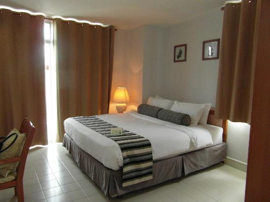 Waterfront Suites Phuket by Centara: 2nd bedroom