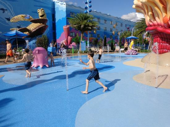 Disney's Art of Animation Resort: Splash Zone in Nemo
