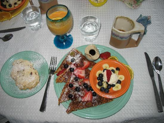 Deer Run Bed & Breakfast: Sweet Breakfast