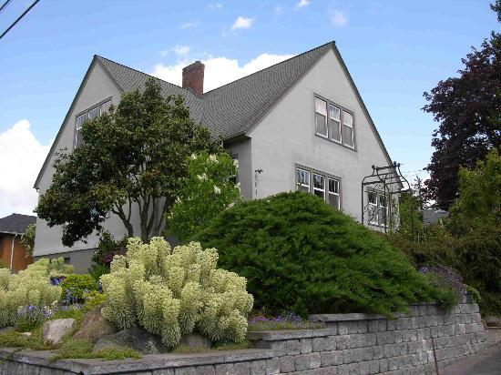 Highland Garden House B and B : Nice, warm southwest corner location