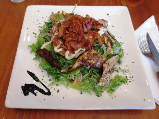 Armazem Restaurant & Bar: Chicken salad