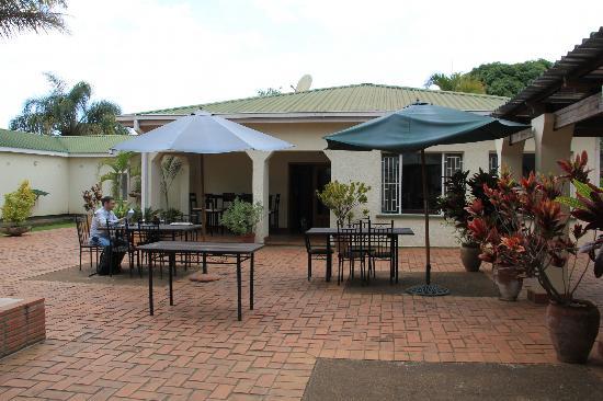 Burley House : Garden area