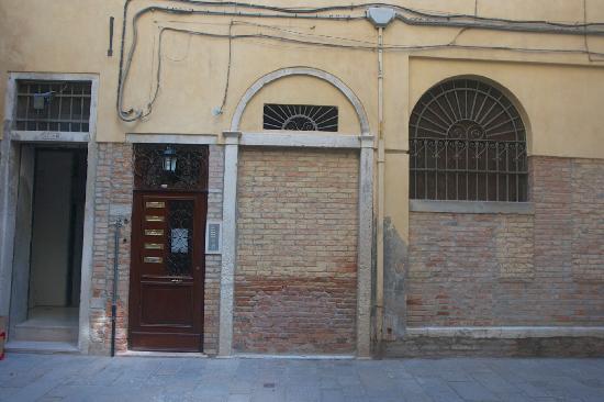 ريزيدنسا جريزوستومو: Entrance to the Residenza 
