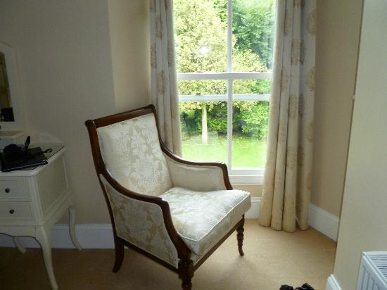 Sandymount House: Bedroom - lovely upholstery