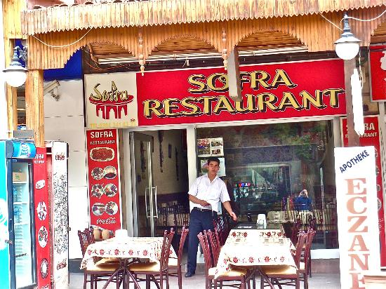 Sofra Restaurant: Mustafa taking care of things