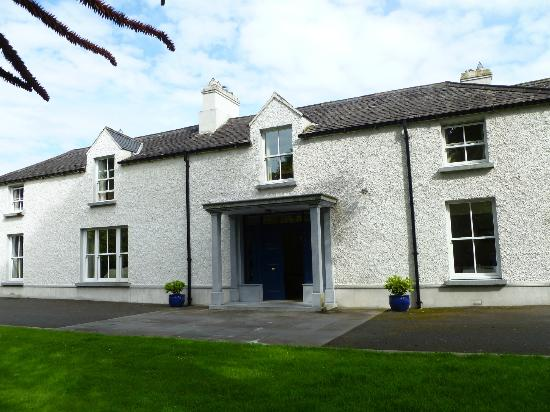 Sandymount House: View of the house