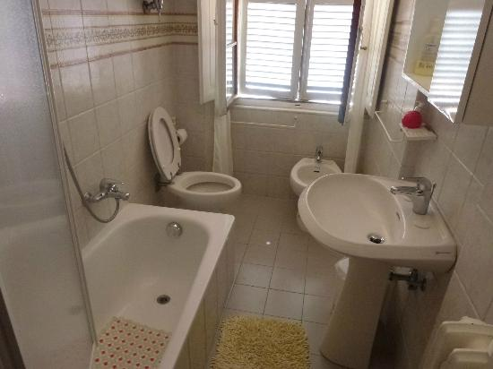 Casa di Alfredo: One of the bathrooms