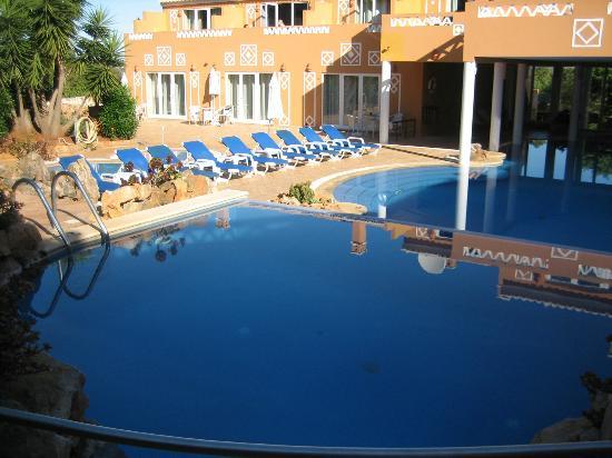 Montinho de Ouro: Panoramica piscina