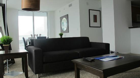 Residences at Bayside - by Elite City Stays: Living Room