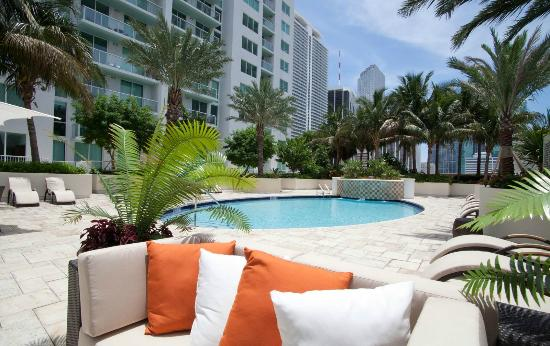 Residences at Bayside - by Elite City Stays: Pool Area