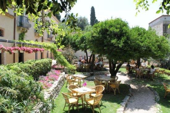 I giardini di babilonia taormina restaurant reviews Hotel jardines de babilonia