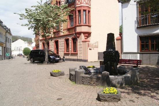 Hotel-Restaurant Weinhaus Grebel : View of Planstrasse