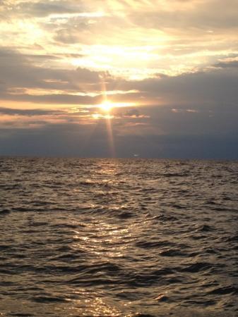 Pictured Rocks Cruises: beautiful Lake Superior sunset