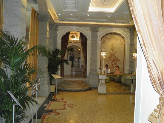 Chateau Monfort: Main Lobby