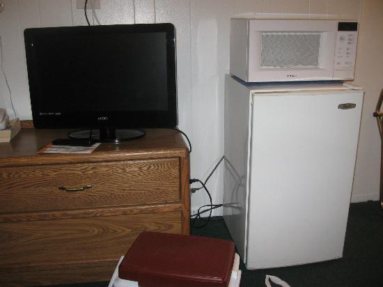 Town House Motel: Nice tv with fride&microwave