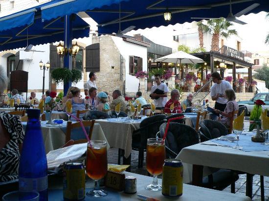 Moustakallis Tavern: Eating outside1