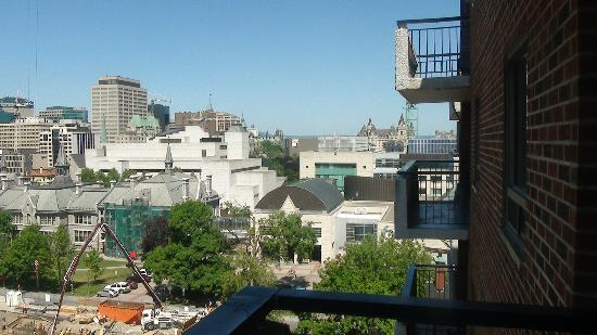 Embassy Hotel and Suites: View Towards Ottawa