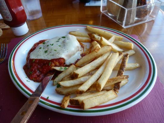 Red Rose Pizzeria : Chicken parmesan