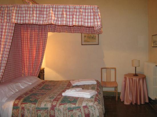 Castello di Montegufoni: bedroom
