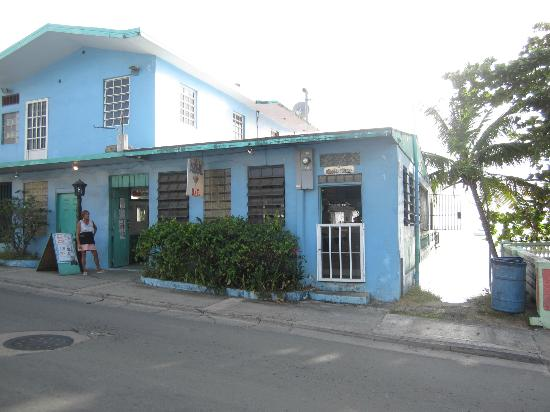 Casa de Amistad: Al's Azul Bar, just down the road