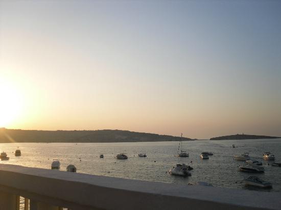 Gillieru Harbour Hotel: sea view