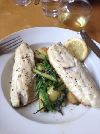 Cafe Sol Bistro: Sea Bass with potatoes